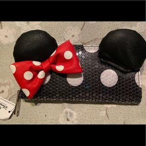 ‼️SOLD‼️Disney Minnie Mouse Sequined Wallet